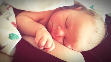 Kind mum breastfeeds abandoned baby