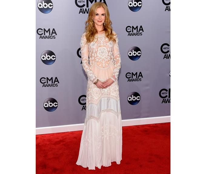 Nicole Kidman attends the 48th annual CMA Awards, 2014 in Roberto Cavalli.