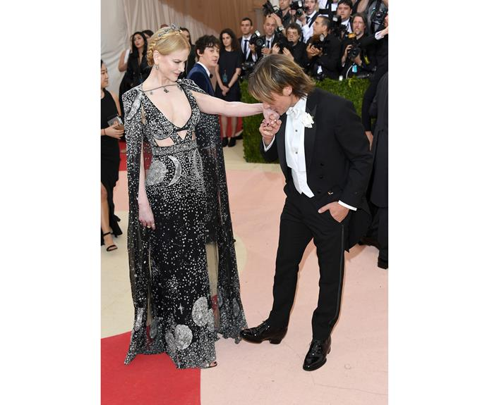 Keith Urban bows to his beautiful  Alexander McQueen-clad wife at the 'Manus x Machina: Fashion In An Age Of Technology' Costume Institute Gala, 2016.   The pair have been married for a decade!