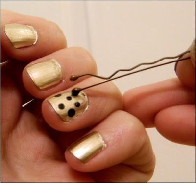 **Create nail art** The rounded end of bobby pins are small enough to help you create designs on your nails. Simply dip in your favourite colour and you're away. [Via Buzzfeed](https://nz.pinterest.com/pin/324329610646059095/)