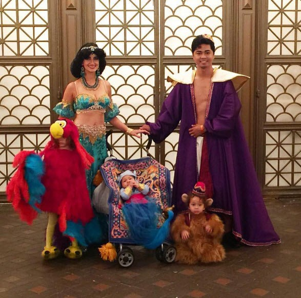 The whole family dress as Aladdin characters. Via [Instagram](https://www.instagram.com/designerdaddy_/)
