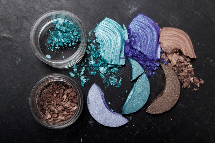 Turn crushed eyeshadows into gels
