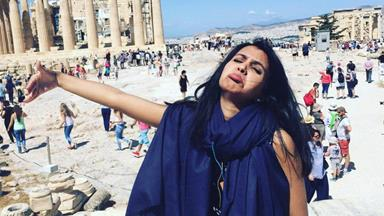 Woman creates hilarious photo series as she honeymoons without husband