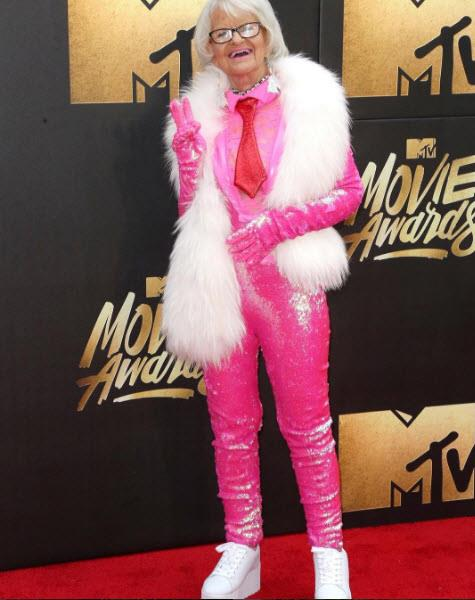 And the MTV Movie Awards. Photo via [Instagram](https://www.instagram.com/baddiewinkle/)