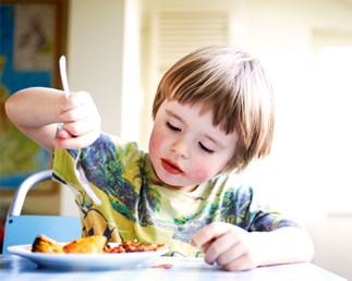 7 ways to deal with a fussy eater