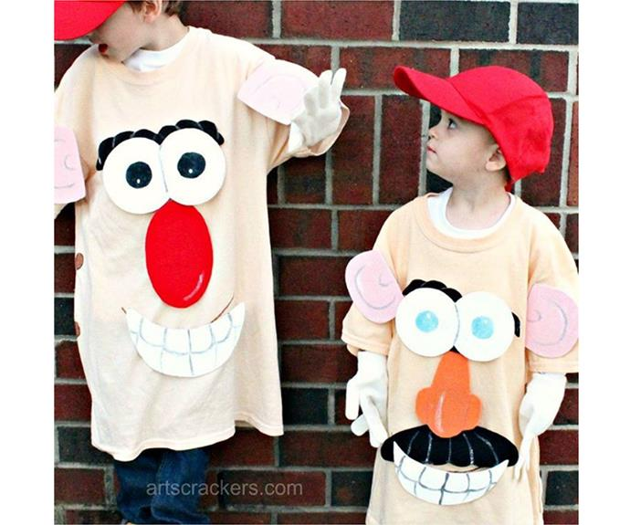 "**Mr Potato head** Pinning shapes to an oversized tshirt can result in a myriad of easy costumes - this Mr Potato head option is particularly fun!  [artscrackers](https://www.instagram.com/p/BK6SPQUgnwS/|target=""_blank"")"
