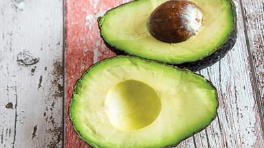 How to: Make an avocado hair mask