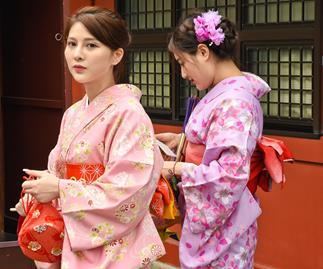 Weekly Travel: Kimonos in Kyoto