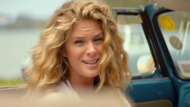 Rachel Hunter stars in latest Air New Zealand safety video