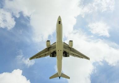Flight attendant's secret note saves trafficking victim