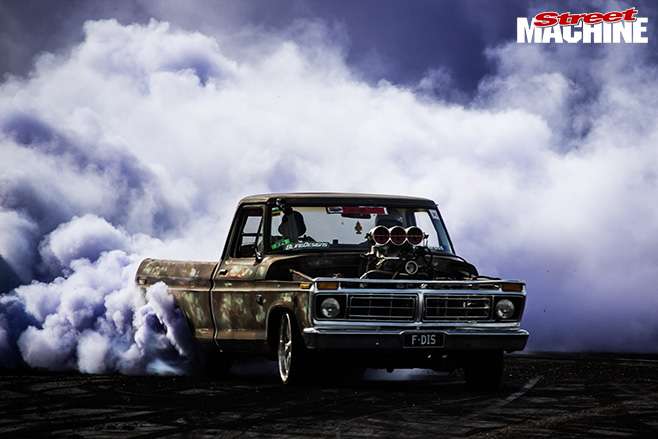 Summernats burnouts