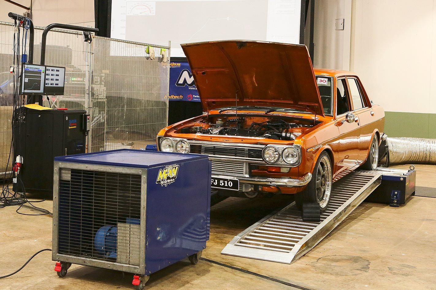 Datsun 1600 on dyno