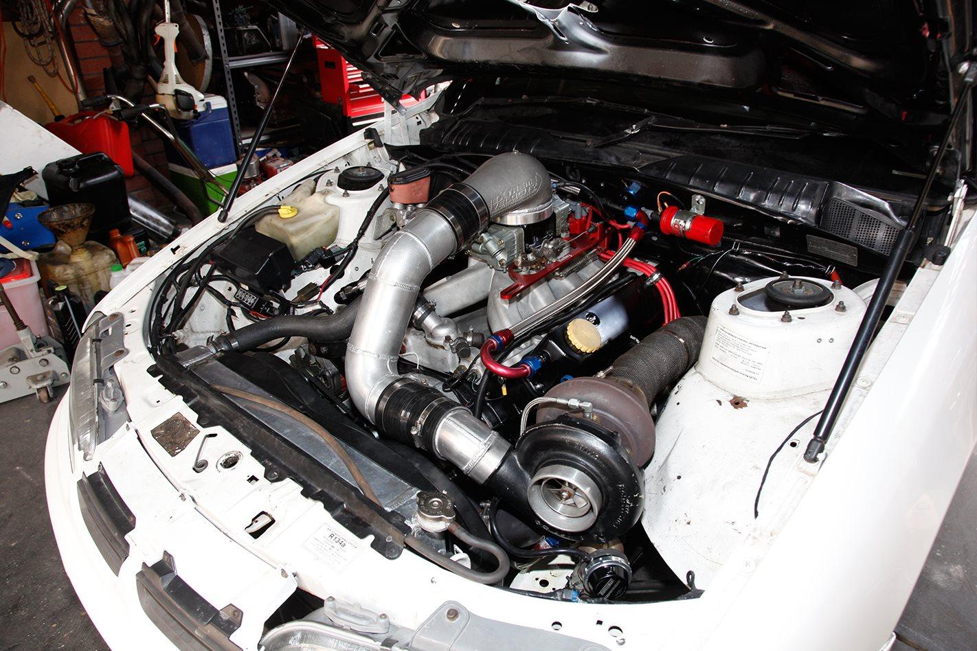 Holden VR ute engine bay