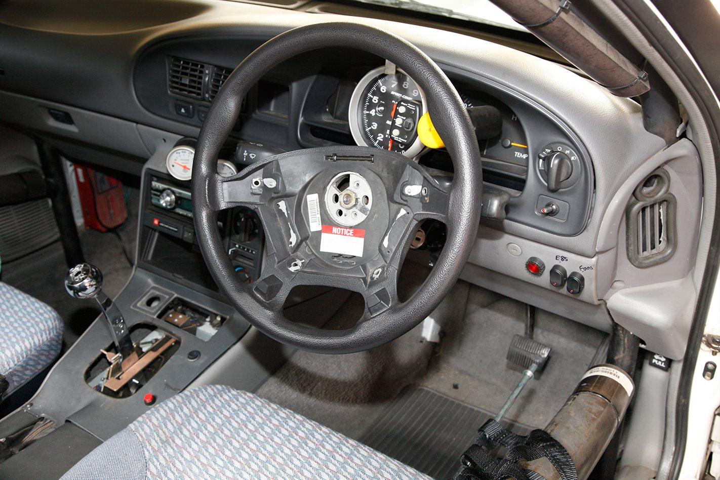 Holden VR ute dash