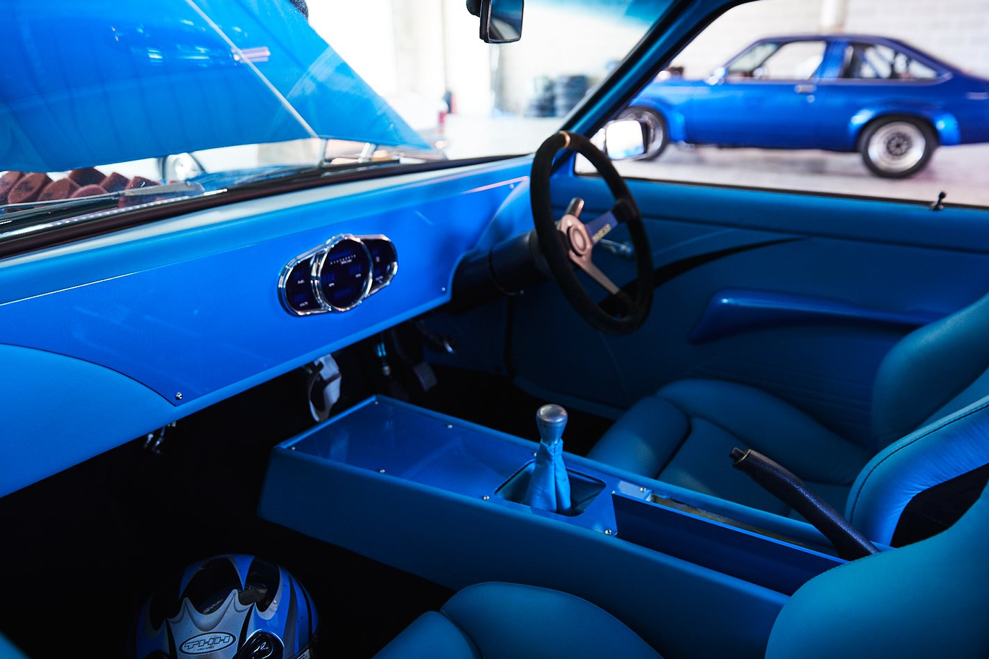 Spinks Torana inside