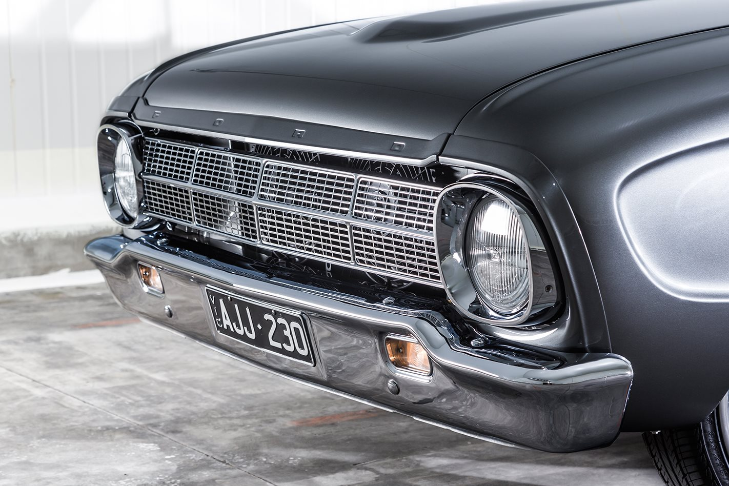 ford falcon xm coupe front grille