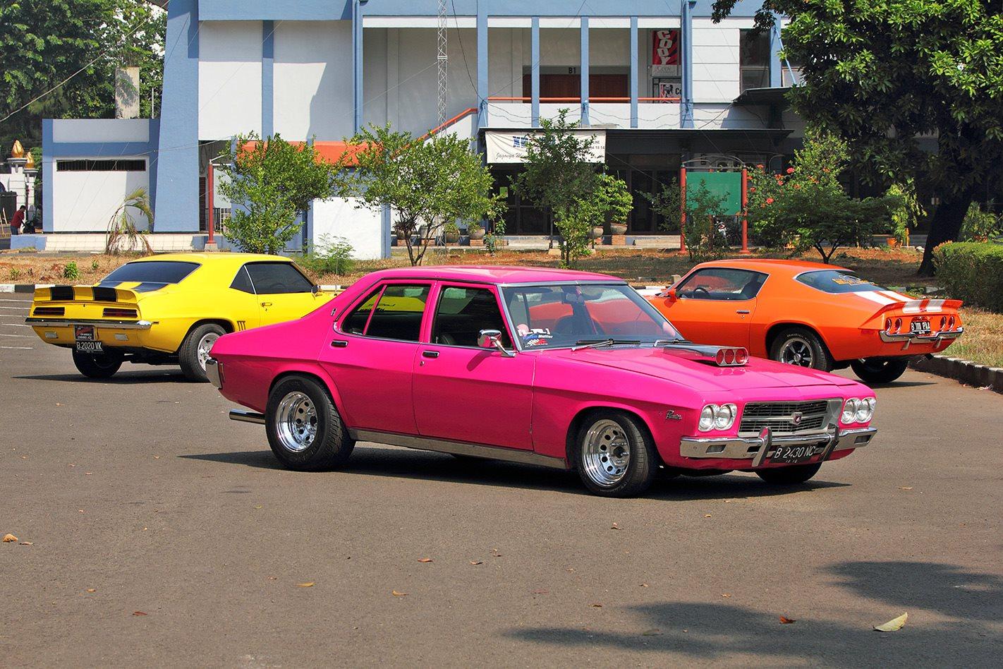 Diehard Holden Fans In Jakarta Street Machine