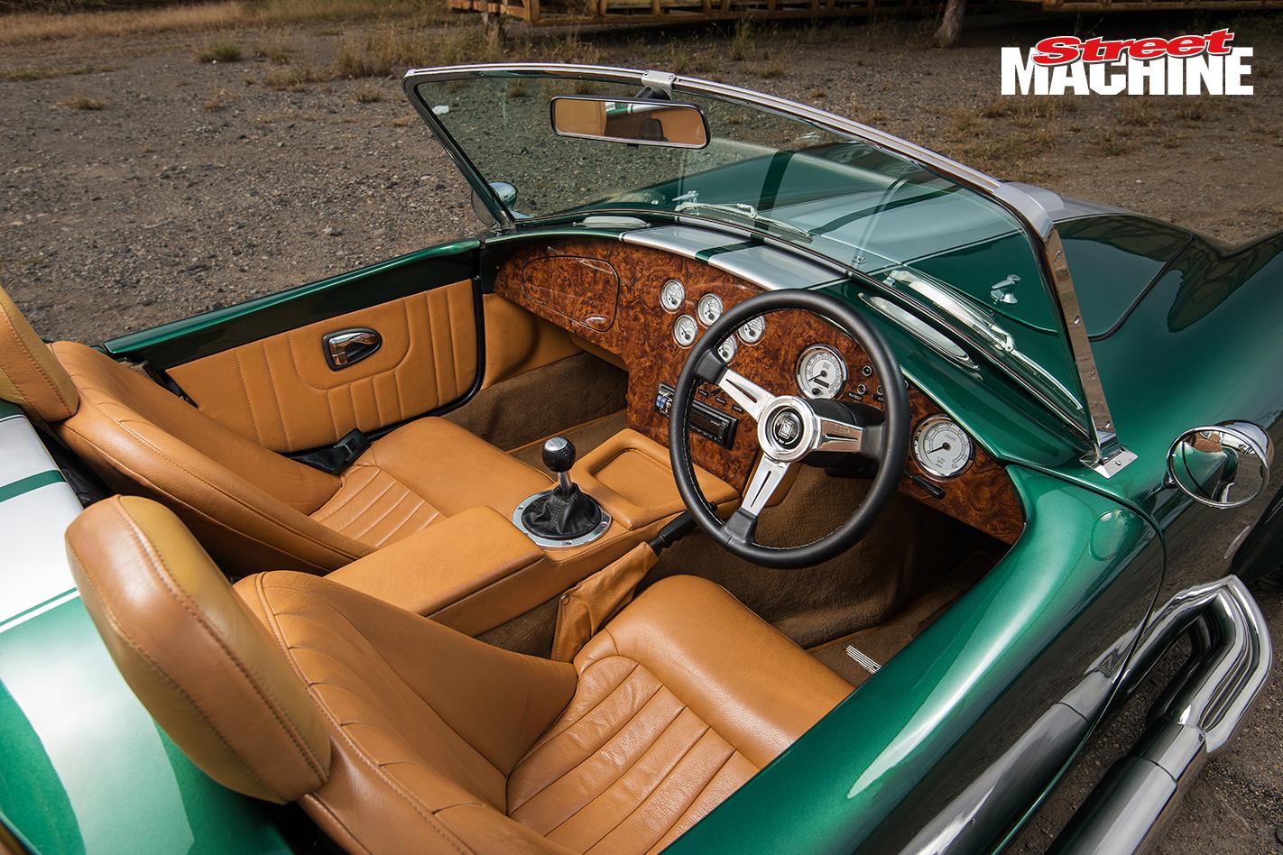 V10 Cobra interior