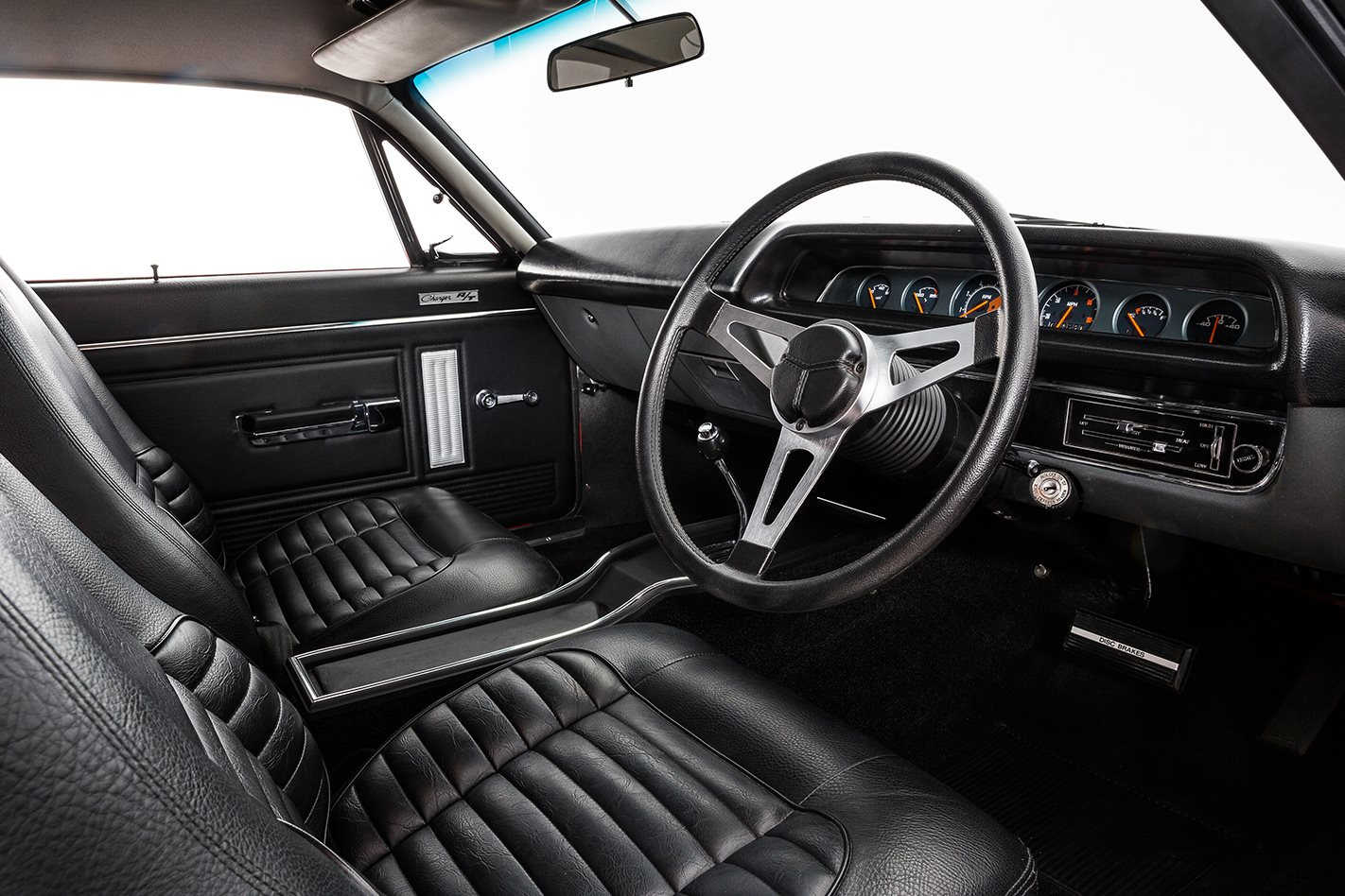 Chrysler Charger interior front