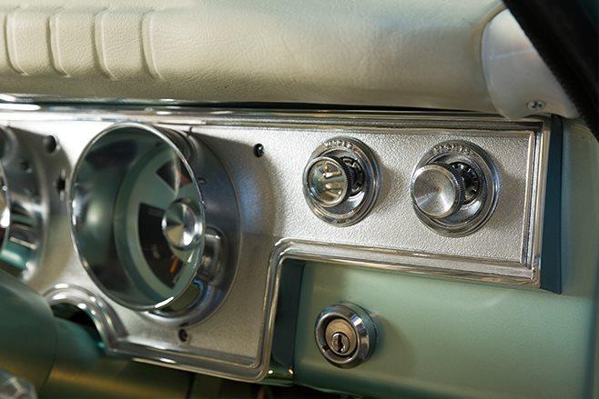 Chrysler VC Valiant switches