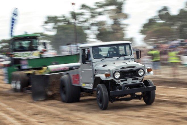 Toyota Land Cruiser truck pull