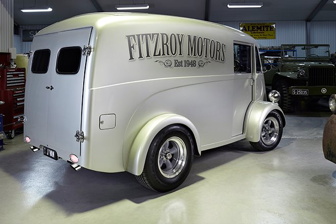 Morris J-van rear