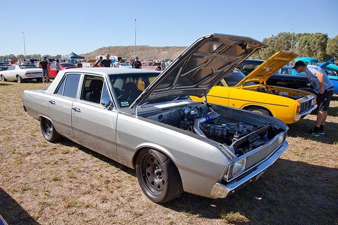 Chrysler VG Valiant