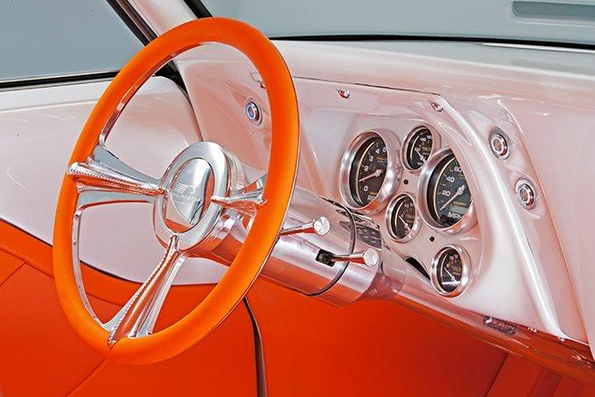 Chevrolet Camaro dash
