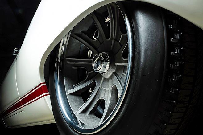 Ford Fairlane wheel