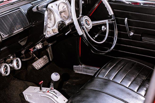 Chrysler S series Valiant dash