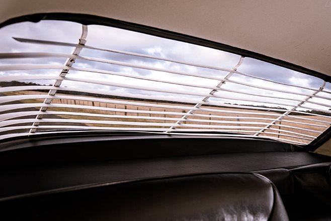 Chrysler S Series Valiant venetian blinds