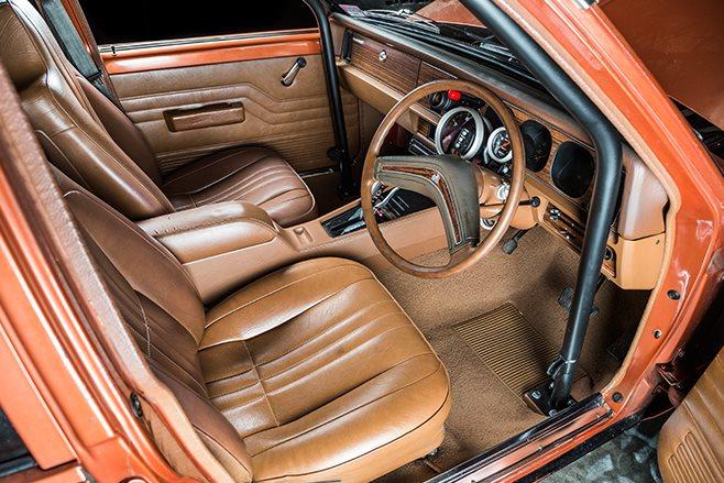 Holden Sunbird interior front