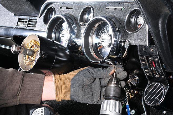 HOW TO INSTALL A DIGITAL DASH INTO A CLASSIC CAR | DIGITAL