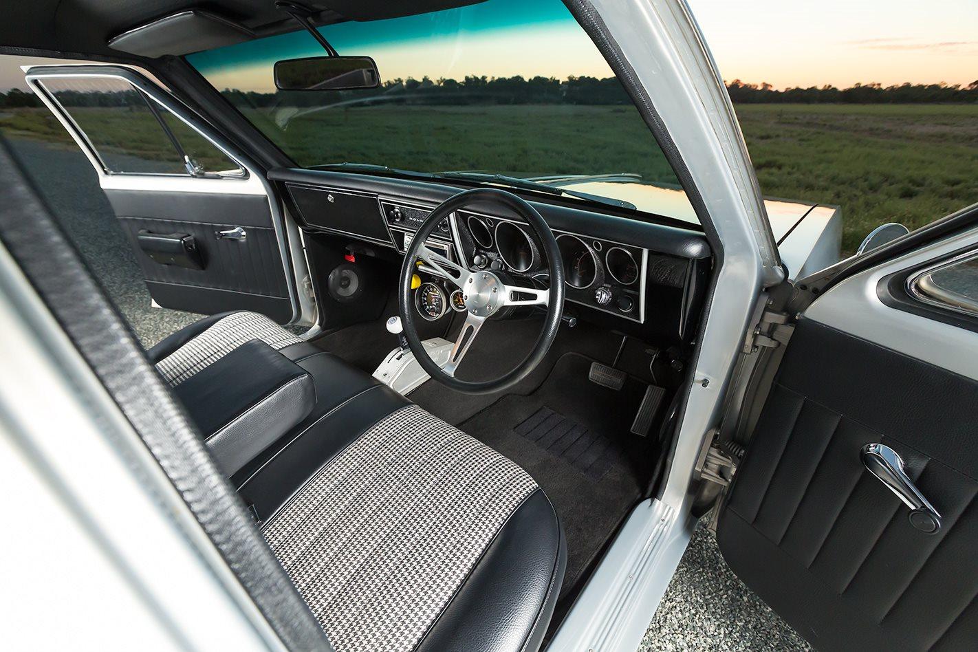 Shane-Willmott-FOOLSGOLD-1JZ-Holden-HT-Ute-Sleeper-interior-drivers-side-view