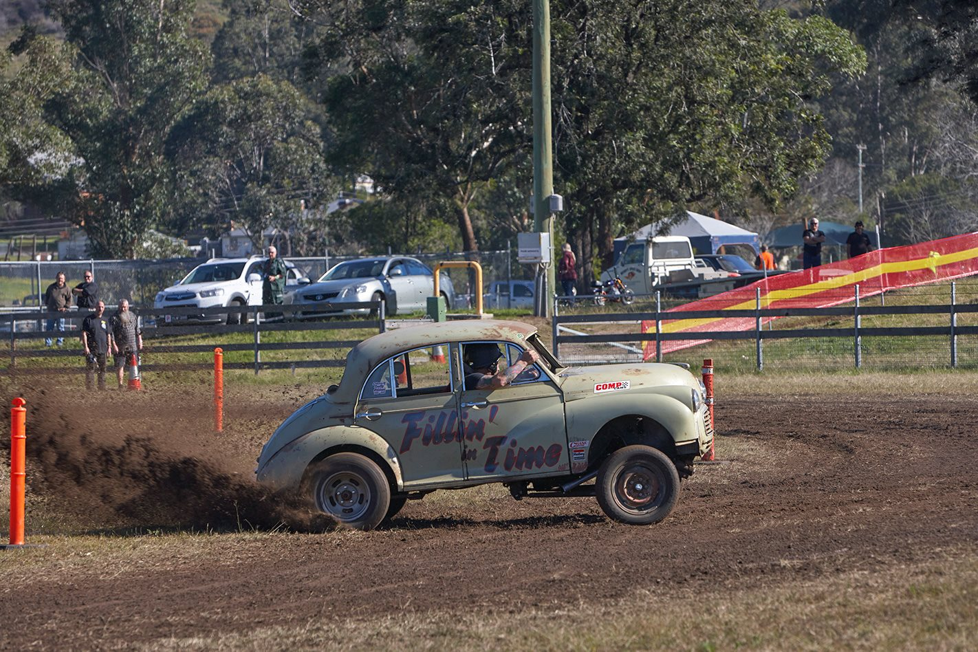 V8 MORRIS MINOR The Mud Run