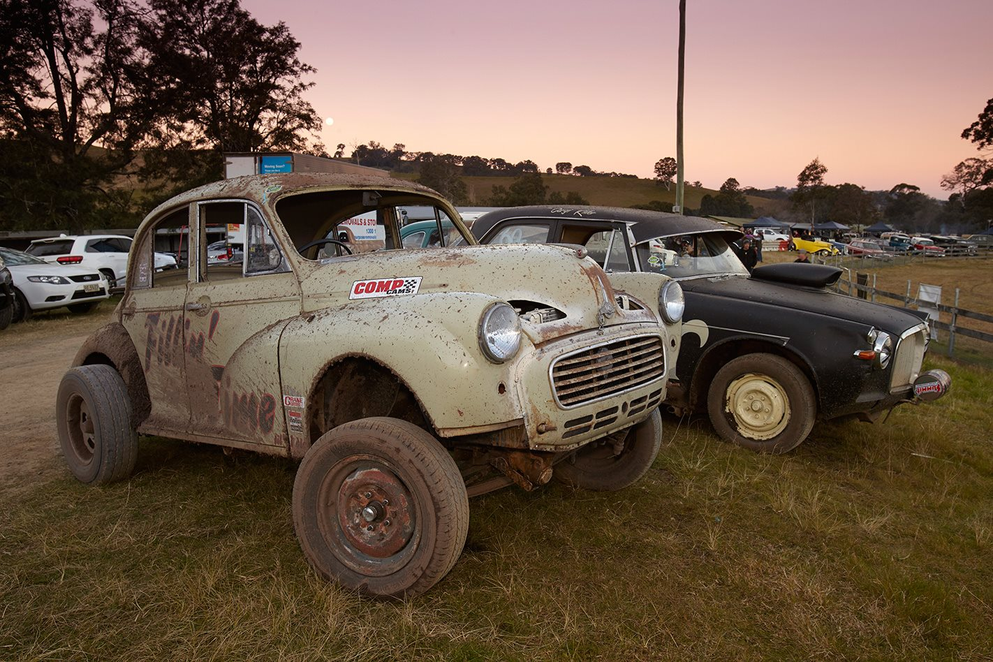 V8 MORRIS MINOR in sunset