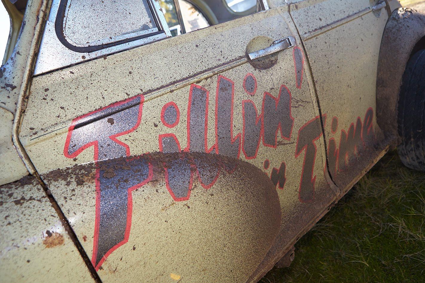 V8 MORRIS MINOR paint