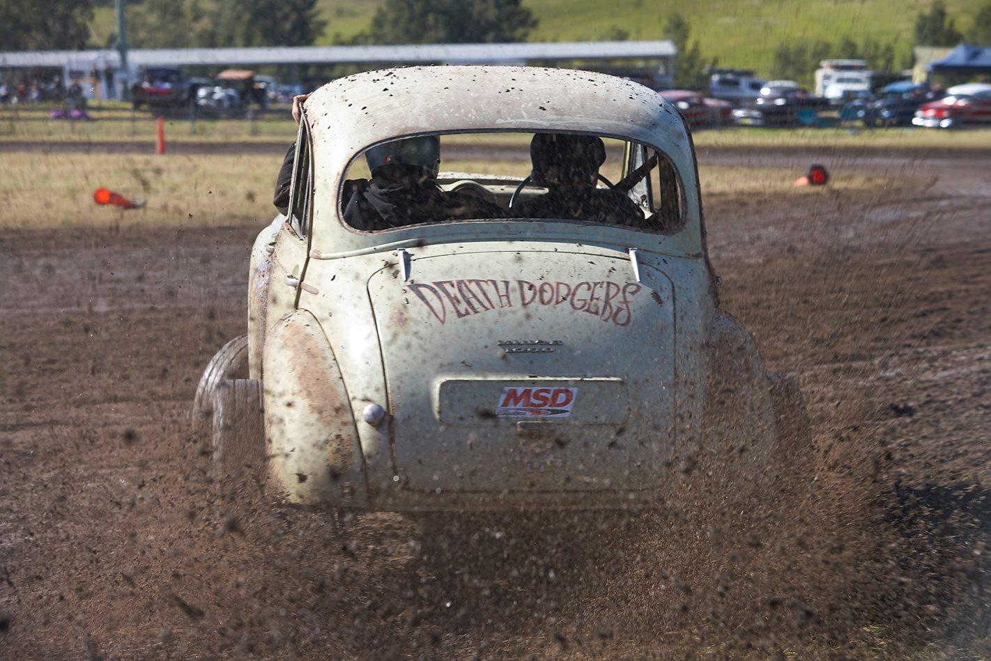 V8 MORRIS MINOR rear