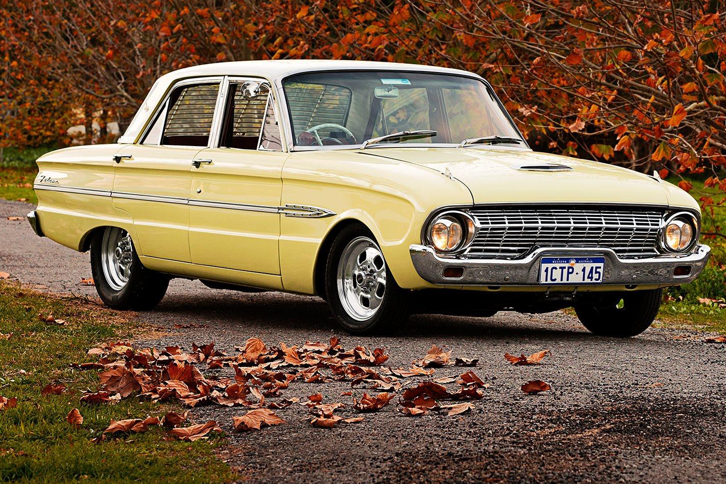 1963 FORD XL FUTURA front