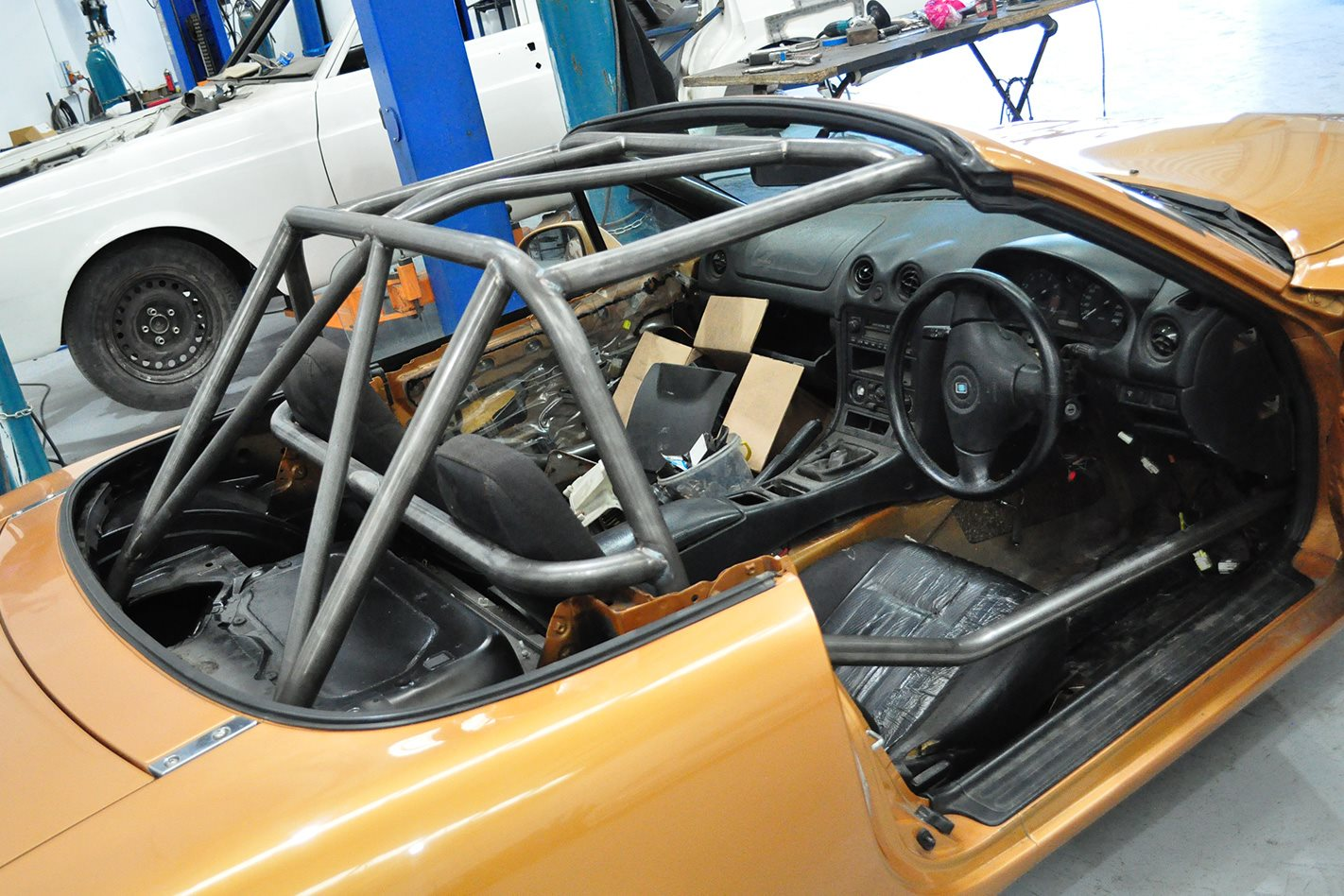 LS1 POWERED MAZDA MX5 cage