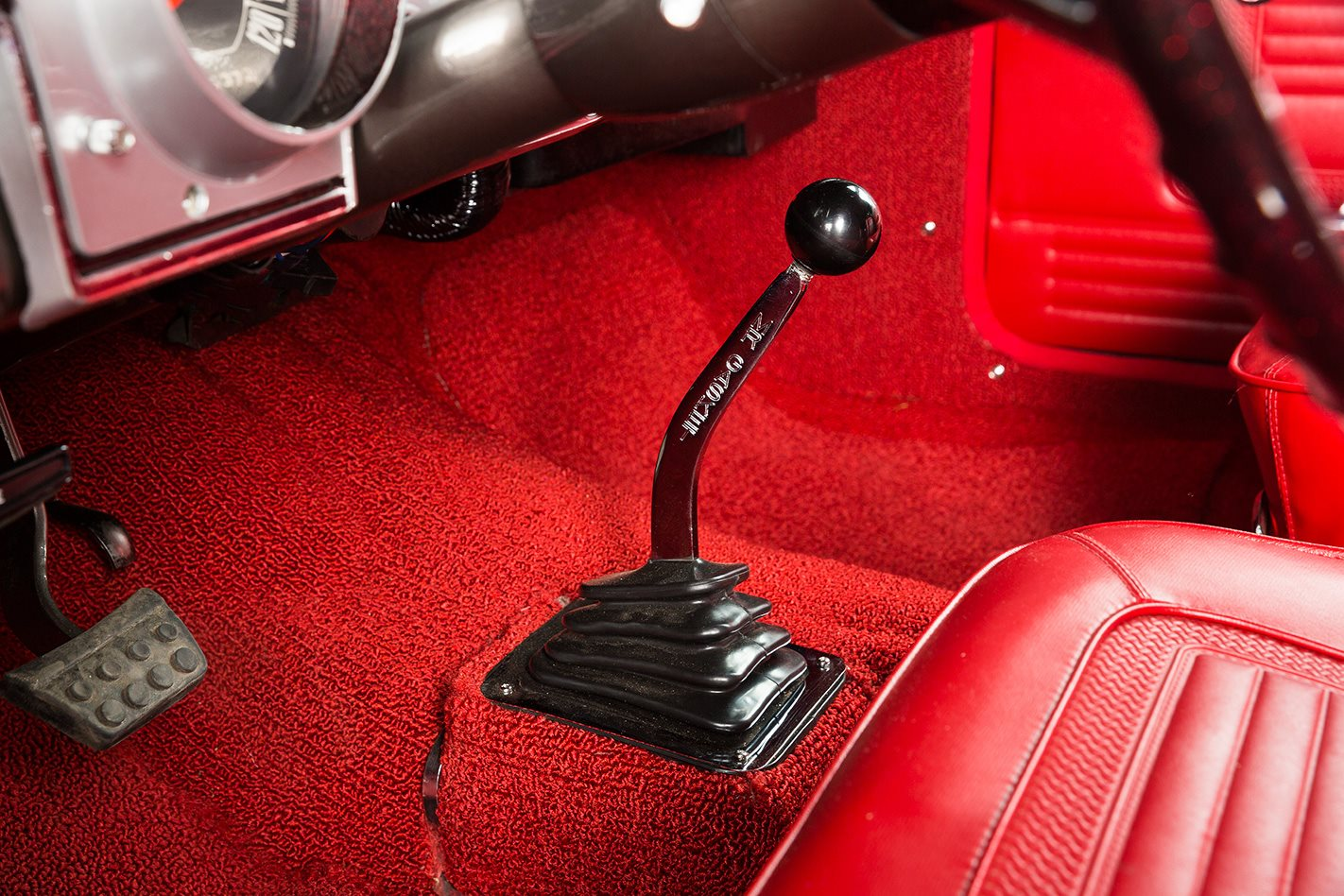 1966 PLYMOUTH BARRACUDA gearstick
