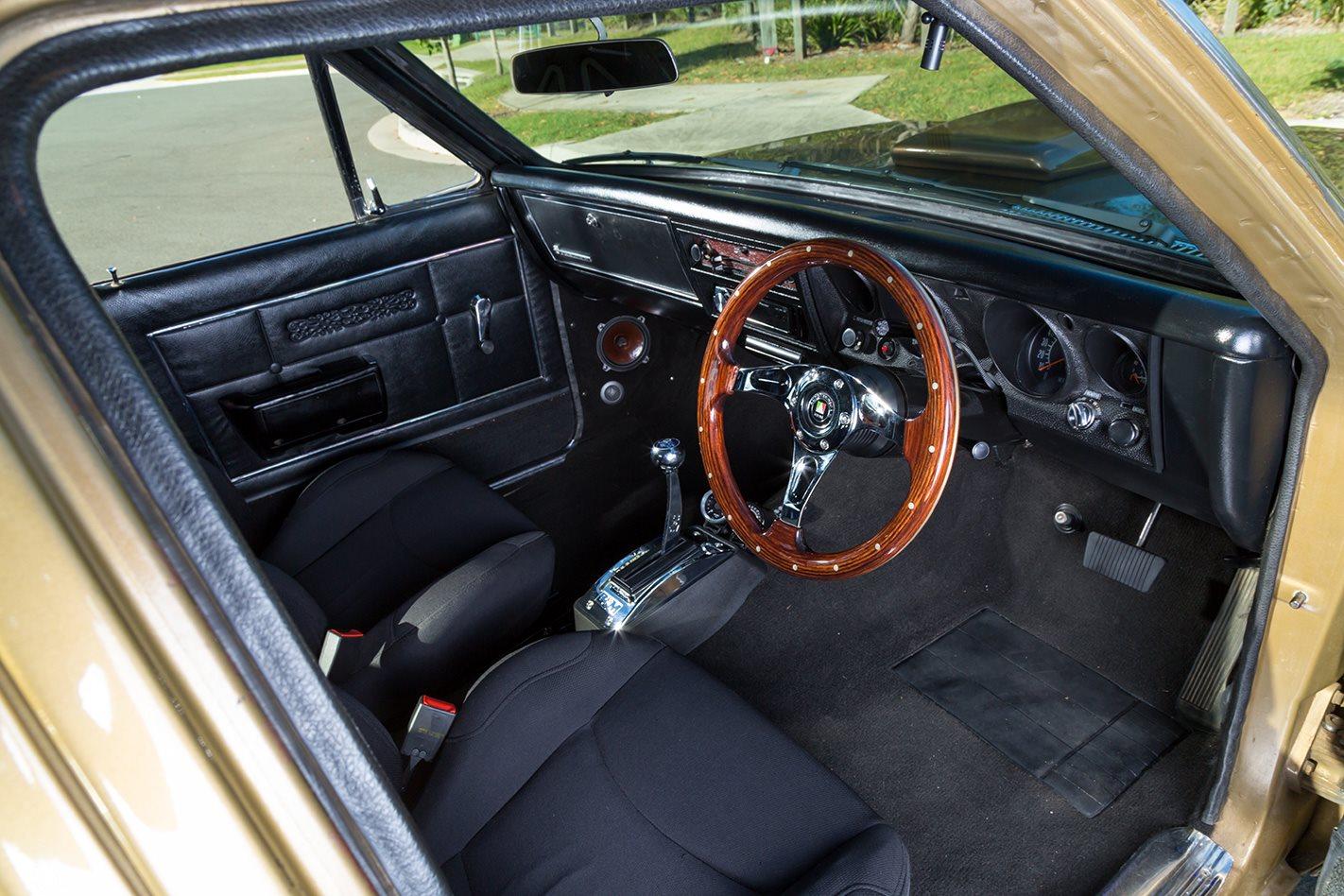 1969 HT HOLDEN PREMIER interior.jpg