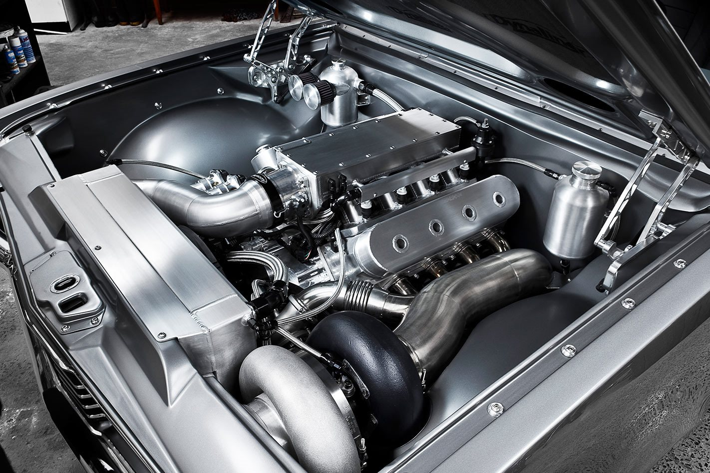 Holden HT Monaro engine bay