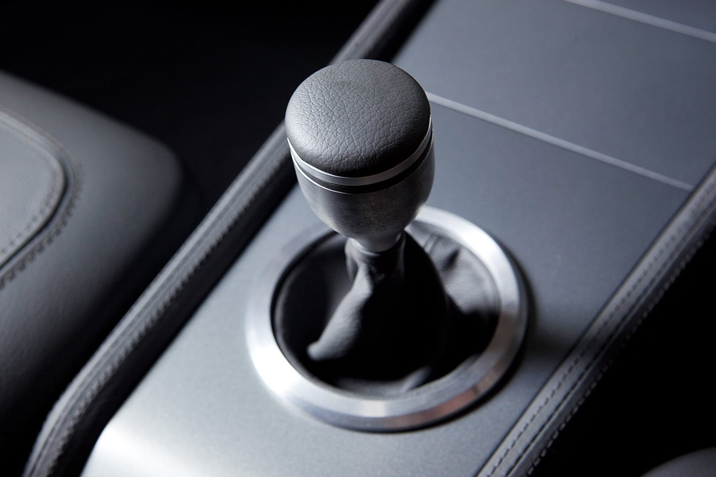 Holden HT Monaro gearstick