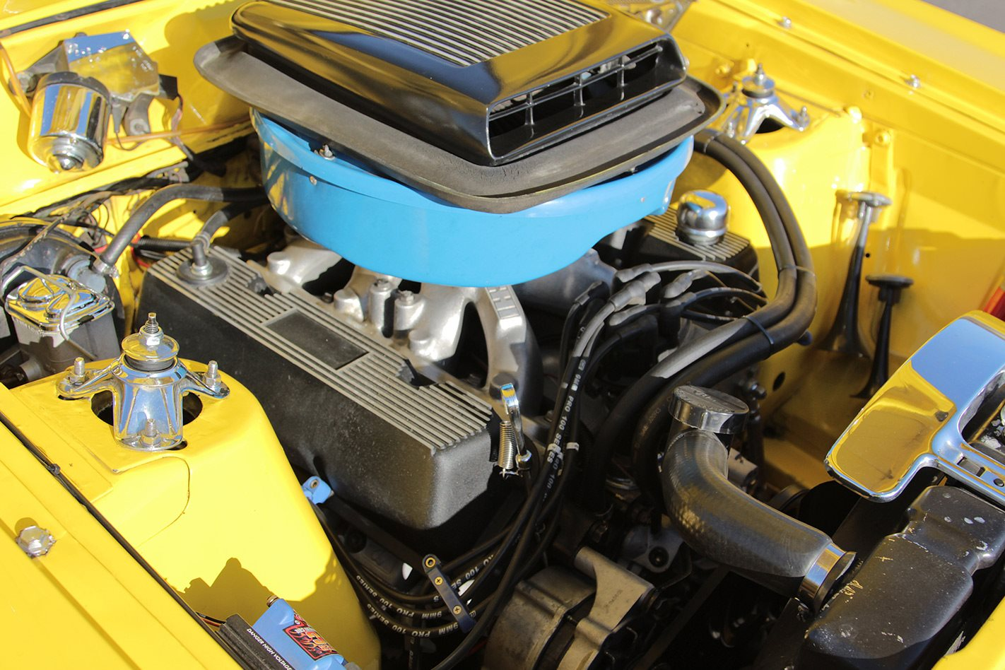 Ford Falcon XY ute engine bay