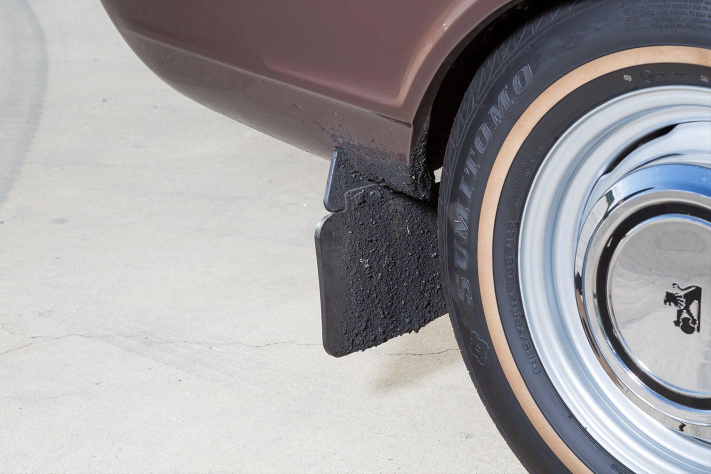 Holden LJ Torana hubcaps