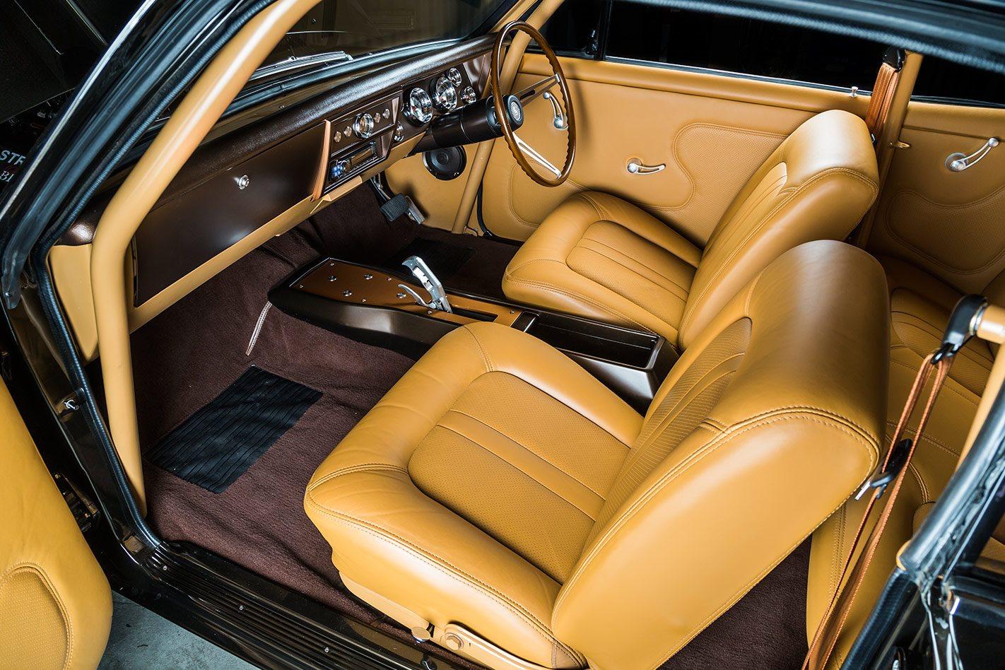 Holden HK Monaro interior front