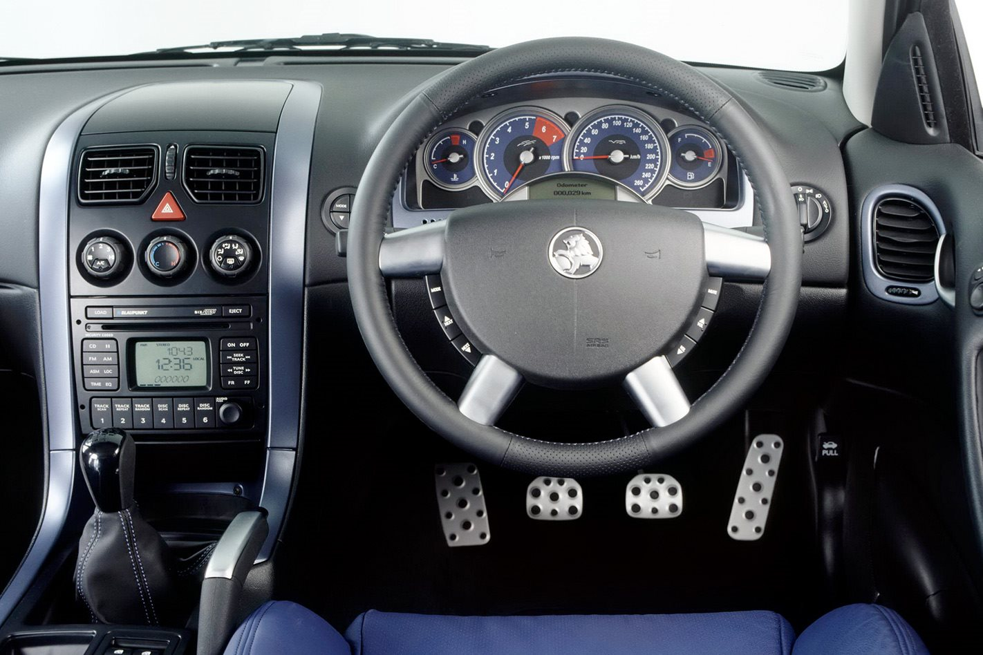 Holden Commodore VY interior