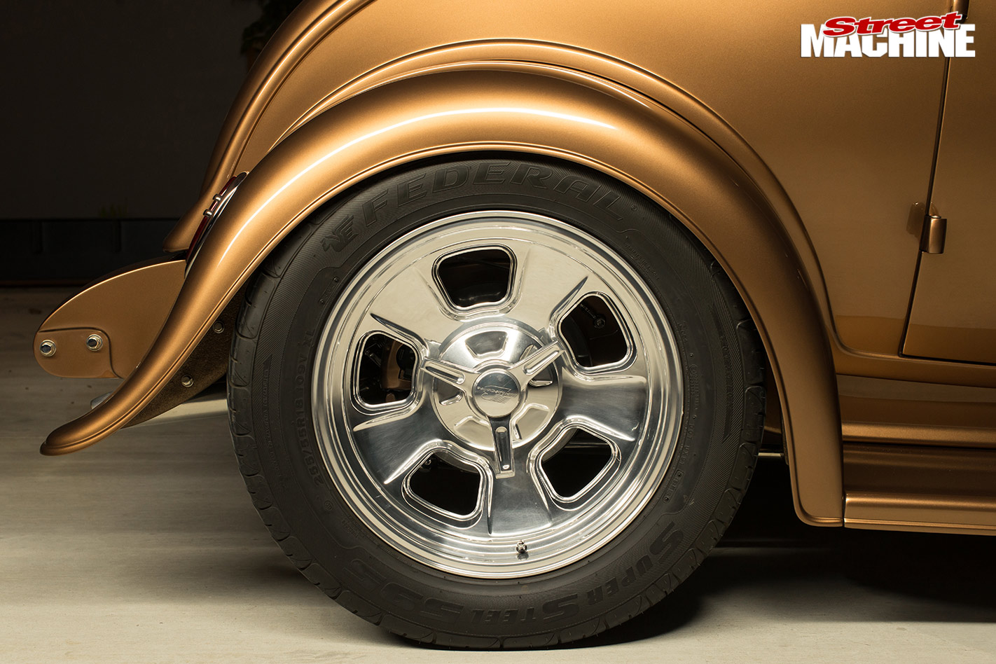 Ford 32 coupe rear wheel