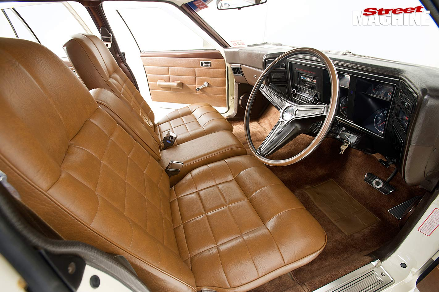 Ford Falcon XB wagon interior front